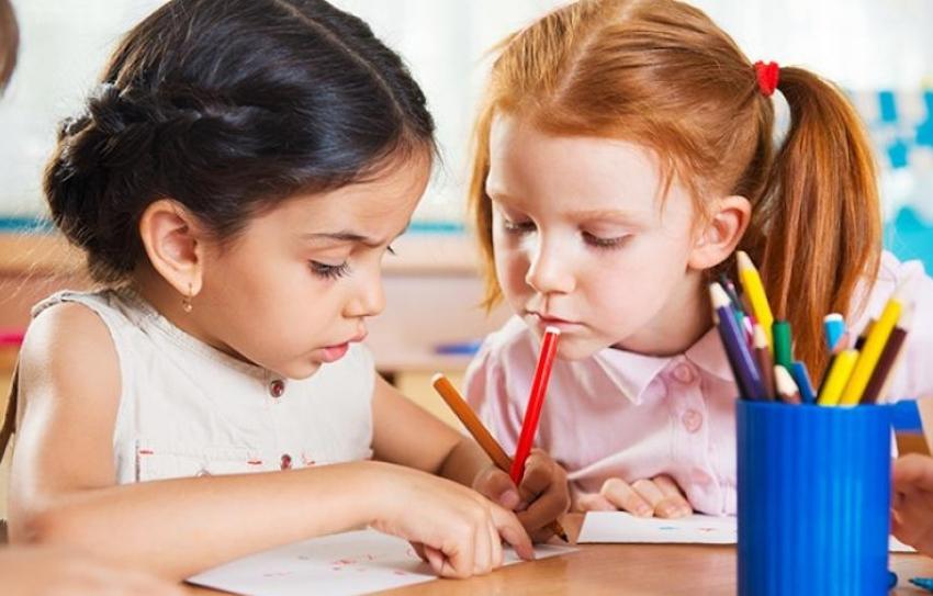 Καταργείται η δίχρονη προσχολική εκπαίδευση απο το κράτος;