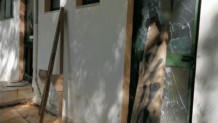 Βανδαλισμοί στα αποδυτήρια του γηπέδου στο Σαϊνοπούλειο (video)