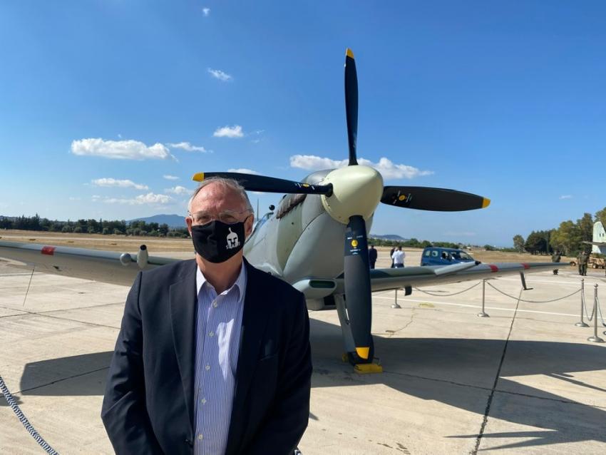 """Ο Πέτρος Δούκας Στην τελετή υποδοχής του  εμβληματικού αεροσκάφους του Β' Παγκοσμίου Πολέμου, """"SpitfireMJ755""""."""